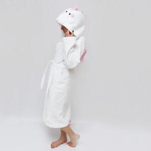 белый махровый халат с капюшоном