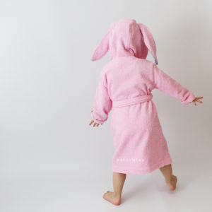 розовый зайчик с ушками халат с капюшоном для девочек