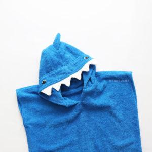 махровое пончо с капюшоном акула