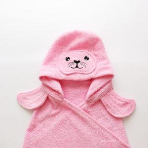 детское махровое полотенце с капюшоном тюлень розовый